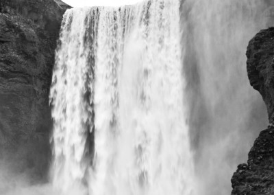Andrea Mazzella, cascate Skogafoss, Islanda
