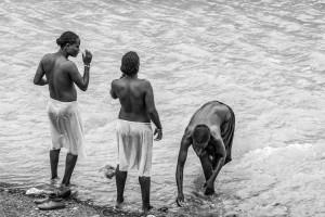 Bagno mattutino, Etiopia del sud, Andrea Mazzella, Serie Eti 2011/06