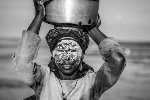 Maschera di bellezza Msiro, Mozambico del nord, Andrea Mazzella, Serie Moz 2012/01