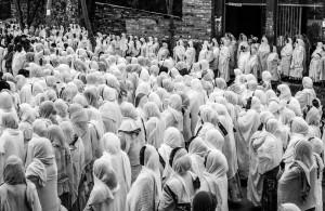 Preghiera all'alba di Axum, Etiopia del nord, Andrea Mazzella, Serie Eti 2011/05