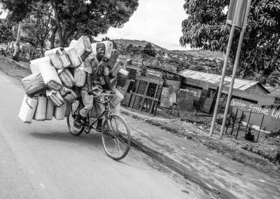 Better, Simple, Life, Bike. Al pozzo in bicicletta, Uganda