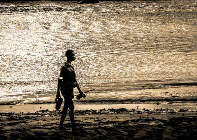 Uomo sul fiume al tramonto, Etiopia